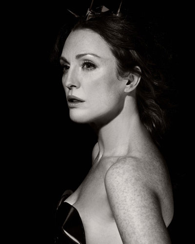 HERA-Julianne-Moore